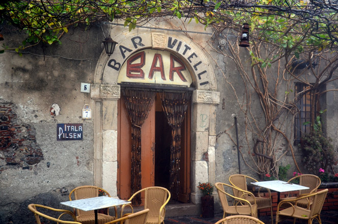 This image has an empty alt attribute; its file name is a.-bar-vitelli-padrino-savoca.jpg